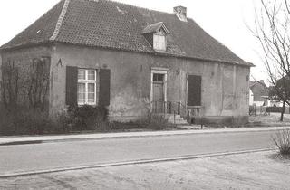 Old Chaplain's House (Alte Kaplanei), view from the south-east, before renovation, 1982.