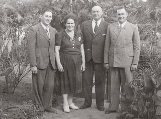 Ludwig Devries with his wife Jenny (née Gerson, from Aldekerk), his sons Horst (left, later George) and Albert (right), 1940's.