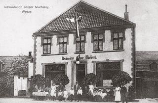Restaurant Caspar Macherey, postcard-view around 1910. The landlord was the chairman of the Weeze publicans' association. His locality also had a traditional 'Bögelbahn' (a form of skittles).