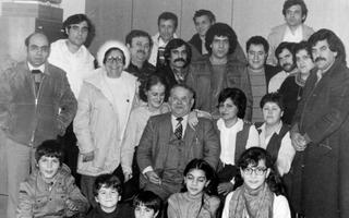 Italian families met each other regularly in the catholic vicarage, 1982 - (Source: Weezer-Uedemer Nachrichten, Photographic impressions 4.2.1982).