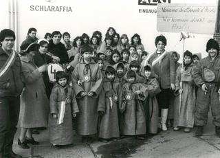 Small 'Franciscan monks from Assisi' participated in the 1983 children's carnival parade.