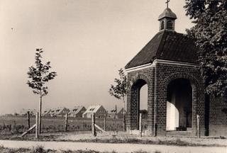 St. John's Chapel in the 1950s. In the background the first estate houses on Sent-Jan-Strasse.