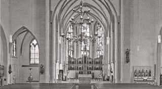 Sankt Cyriakus, interior, view in the direction of eastern quire with new-gothic high altar (F. Langenberg/Goch, 1898), 2011.